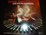 COUNT BASIE & HIS ORCHESTRA/BASIE MEETS BOND